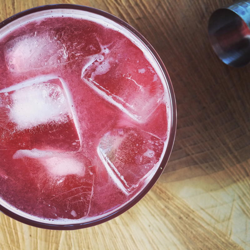 raspberry vodka lemonade | www.nyssaskitchen.com