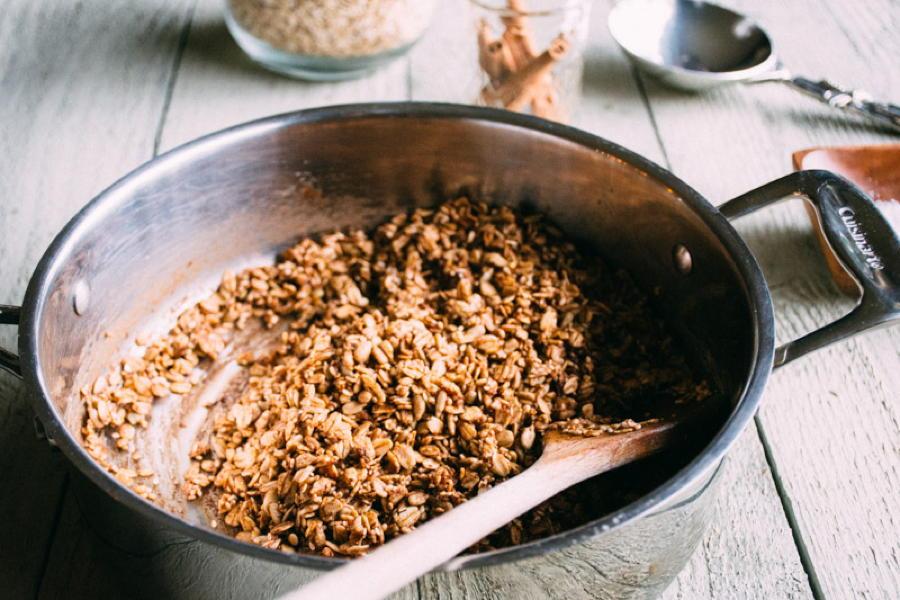 maple sesame skillet granola | www.nyssaskitchen.com