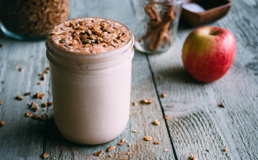 roasted apple cinnamon smoothie | www.nyssaskitchen.com