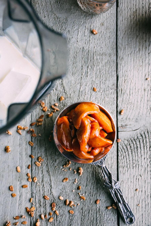 roasted apple cinnamon smoothie   www.nyssaskitchen.com