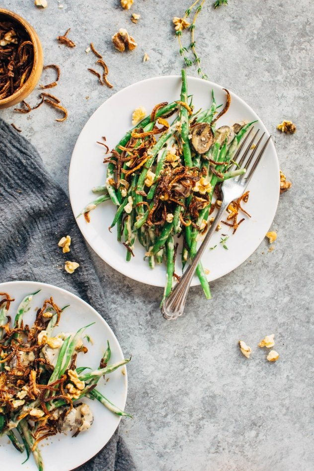 Grain free paleo vegan friendly green bean casserole! Made with all the same comforting flavors that you love in the classic casserole, with ingredients that you can feel good about.