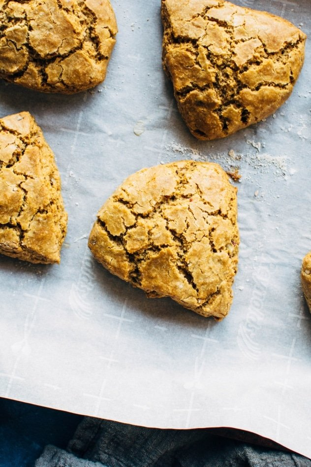 These paleo maple pecan scones are a totally decadent and healthy swap for the bakery shop classic! Brimming with nutty maple flavor and totally refined sugar free.