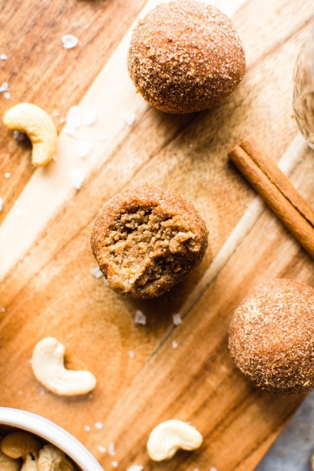 These No Bake Cinnamon Roll Energy bites are made with only 7 ingredients and are naturally sweetened with dates! A healthy yet indulgent treat, they are soft and chewy, full of healthy fats and protein, and totally reminiscent of the ultimate breakfast pastry - the cinnamon roll! Without any of the refined sugar/wheat/dairy.It's a real win/win.